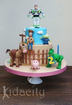Birthday Cakes - Lots of love and a steep learning curve for this Toy Story cake. Bolo Toy Story, Festa Toy Story, Toy Story Cakes, Toy Story Party, Cake Pops, Toy Story Birthday Cake, Birthday Cakes, Movie Cakes, Character Cakes