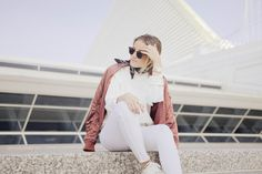 Spring Whites #outfit #white #denim #topshop #bomber #jacket #sneakers #bandana #hm #photography #style #blog  https://www.instagram.com/emma_hentzen/