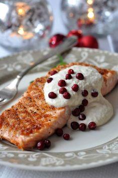Potrawy wigilijne: łosoś z kremowym sosem chrzanowym Magic Recipe, Recipe Ratings, French Toast, Food Porn, Dinner Recipes, Food And Drink, Christmas Decorations, Menu, Cooking