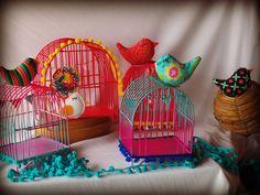gaiolas coloridas