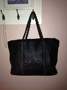 AUTHENTIC CHANEL LUXE LIGNE CAVIAR LEATHER LARGE SIZE TOTE!!!  CHANEL   TotesShoppers ad224a8d28845