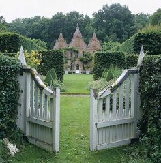 English garden, stunning gate.