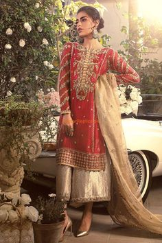 Buy latest Maria B Master Replica of unstitched Maria b collection in Pakistan. Pakistani Fashion Party Wear, Pakistani Wedding Outfits, Pakistani Bridal Dresses, Pakistani Dress Design, Bridal Outfits, Pakistani Mehndi Dress, Shadi Dresses, Pakistani Formal Dresses, Indian Dresses