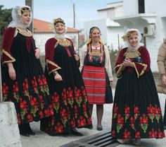 FolkCostume&Embroidery: Sarafan-like costumes of Europe Greek Traditional Dress, Traditional Outfits, Greek Dress, Empire Ottoman, Costumes Around The World, Greek Culture, Folk Dance, Beautiful Costumes, Greek Clothing