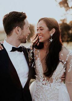 Wedding Photo List, Wedding Picture Poses, Wedding Poses, Wedding Photoshoot, Wedding Shoot, Wedding Couples, Wedding Portraits, Wedding Family Photos, Wedding Ceremony Pictures