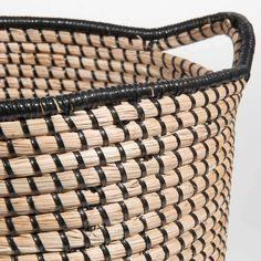 SCOUBIDOU black woven basket H 40 cm | Maisons du Monde