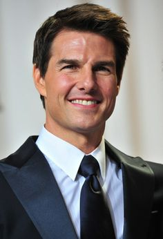 ParfumPlus magazine explores what perfume Tom Cruise wears – one of the highest paid and most sought-after actors in screen history. #TomCruise