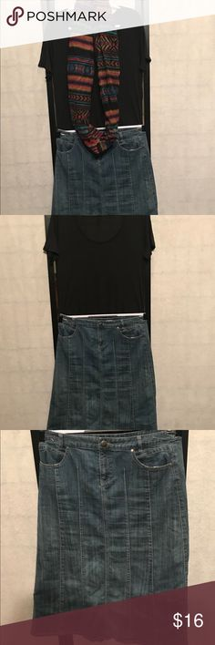 💞Christopher & Banks long denim blue jean skirt Christopher & Banks long denim blue jean skirt, zipper in the front with pockets Christopher & Banks Skirts