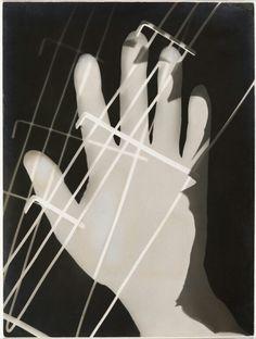 László Moholy-Nagy (1895-1946) Photogram 1926 Gelatin silver print 9 3/8 x 7 in. Los Angeles County Museum of Art, Ralph M. Parsons Fund © 2017 Hattula Moholy-Nagy/Artists Rights Society (ARS), New York/VG Bild-Kunst, Bonn Photo © Museum Associates/LACMA