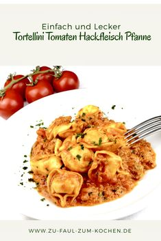 If you love simple and quick pasta dishes, then you should definitely try the delicious tortellini tomato minced meat pan. Tortellini Tomato Minced Meat Pan - Too Lazy To Cook? If you love simp Casserole Recipes, Meat Recipes, Healthy Recipes, Mince Meat, International Recipes, Pasta Dishes, Macaroni And Cheese, Lunch, Stuffed Peppers