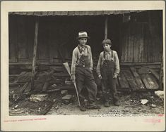 Children of Sam Nichols, [Boone County,] Arkansas tenant farmer From New York Public Library Digital Collections.
