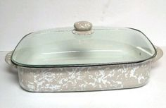 Golden Rabbit Enamelware Lasagna Pan With glass Lid Taupe Baker Baking Cookware