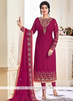 Attract compliments by this Ayesha Takia magenta faux georgette churidar designer suit. It has been beautifully designed with embroidered, resham and zari work. Comes with matching bottom and dupatta. Bollywood Suits, Bollywood Dress, Palazzo With Kurti, Latest Salwar Kameez, Stylish Suit, Salwar Designs, Designer Anarkali, Churidar, Punjabi Suits
