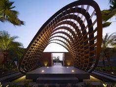 Эффектная архитектура, интегрированная в экзотические гавайские пейзажи