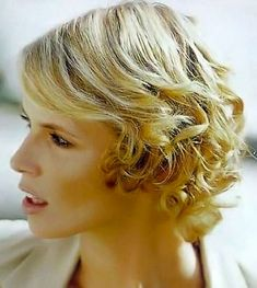 Image 110. Short curly/wavy hairstyles pictures.