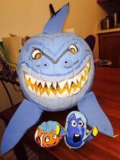 Shark, finding nemo and dory pumpkin.