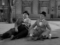 Laurel & Hardy (Oliver Hardy and Stan Laurel) A Haunting We Will Go
