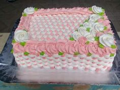 Best Ideas For Baby Shower Cake Sheet Buttercream Icing 14th Birthday Cakes, Happy Birthday Cake Images, Birthday Sheet Cakes, Birthday Cake Girls, Buttercream Designs, Buttercream Flower Cake, Buttercream Icing, Cake Decorating Designs, Cake Decorating Videos