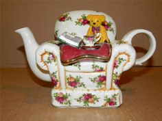 Royal Albert Old Country Roses Winter Chair Shaped Teapot
