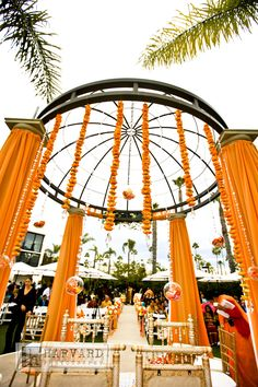 Indian wedding - marigold garlands I kind of want to have an Indian ceremony even though it has no relevance to my life.