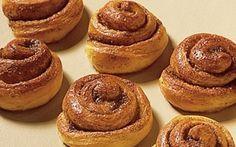Snegle Hvad enten der er fest eller ej, så er denne kage altid et hit. Prøv denne lækre opskrift på snegle med kanel og nyd en simpel, men lækker kage!