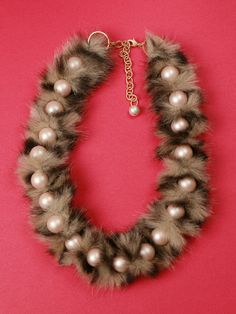 DIY Luxurious Faux Fur Pearl Necklace Tutorial from Small Good...