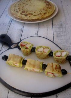 Gdy znudzą nam się tradycyjne naleśniki to możemy trochę z nimi pokombinować. Możemy przygotować naleśniki a'la szaszłyki. Wystarczy 1 naleśnik, oliwki, paluszki surimi i dip guacamole, połączenie ciekawe w smaku. SKŁADNIKI: 2 szklanki mąki, 1 szkl.mleka, 1 szkl.wody gazowanej 3 … Czytaj dalej → Waffles, Pancakes, Avocado Egg, Crepes, Guacamole, Eggs, Favorite Recipes, Breakfast, Food
