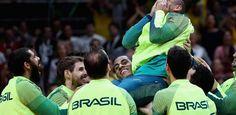 """Torcida cria apoteose para Serginho, que deixa """"presente"""" no Maracanãzinho - UOL Olimpíadas"""