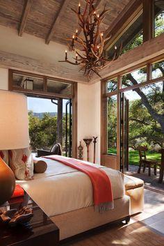 A striking rustic-modern retreat in the Carmel Valley wilderness