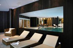 Le Spa by RoyAlp : Meilleure Destination Spa de Luxe en Europe aux « World Luxury Spa Awards 2014″. Ce Spa de 1200 m2 offre l'accès à une salle de fitness ouverte 24h/24, une piscine intérieure de 14m x 7m, un jacuzzi, une salle de relaxation, un sauna, un hammam, une fontaine de glace, et des douches multi-sensorielles. Le Spa by RoyAlp dispose de 6 cabines de soins dont une cabine double, une cabine thaï et enfin un Spa privé sur réservation.