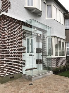 A recently installed clear glass porch in Kent. Garden Front Of House, House Front Porch, Front Porch Design, Glass Porch, Glass Front Door, Glass Door, Modern Entrance, House Entrance, Porch Designs Uk