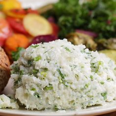 "Garlic & Herb Cauliflower Mashed ""Potatoes"""
