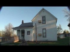 """Villisca: A Haunting in Iowa"" - Paranormal Investigation. This film contains adult language. Viewer dis-cretion is advised.* A short documen-tary made about one of the most haunted houses in the country. About 25 min. Most Haunted, Haunted Places, Abandoned Places, Scary Stories, Ghost Stories, Paranormal, Ghost Hauntings, Unexplained Mysteries, Ghost Pictures"