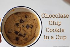 Chocolate Chip Cookies In A Cup. You just have to make this delicious chocolate chip cookies in a cup. Add ice cream and cool whip topping for a delicious dessert. Its so delicious. Köstliche Desserts, Delicious Desserts, Dessert Recipes, Yummy Food, Microwave Desserts, Quick Dessert, Delicious Chocolate, Mug Recipes, Best Cookie Recipes