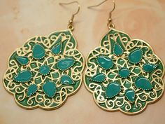 Vintage look flower pattern aqua green dangle earrings with intricate metal pattern with resin inlays- Weight : 26 gram / pair- Length : approx. 3.1(L) x 1.9(W) inch (including hook)