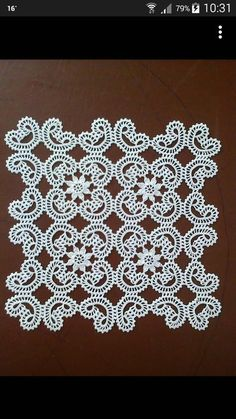 Best 12 Rust stone, decorated with four laps petals, in thin white cotton thread. To collect. Filet Crochet, Crochet Lace Edging, Crochet Diagram, Crochet Doilies, Crochet Flowers, Crochet Designs, Crochet Patterns, Irish Crochet Tutorial, Crochet Blocks