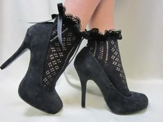 Paris peek a bow Lace socks for heels