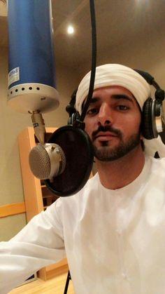 Hamdan bin Mohammed bin Rashid Al Maktoum, Vía: Beautiful Women Quotes, Beautiful Tattoos For Women, Strong Women Quotes, Beautiful Eyes, Handsome Men Quotes, Handsome Arab Men, Art Drawings Beautiful, Beautiful Sketches, Woman Sketch