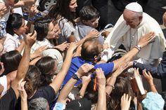 """Papa Francisco: La """"burocracia"""" eclesial no debe obstaculizar la gracia - Aleteia"""