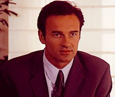 Cole Turner Cole Charmed, Serie Charmed, Charmed Tv, Movie Gifs, Movie Tv, Phoebe And Cole, Julian Mcmahon, Playboy Logo, Charmed Sisters