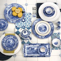 Extravagant settings: A stylish setting created with our elegant Blue Italian and Giallo tableware collections. #Spode #Giallo #BlueItalian #Blue #White #Yellow #Italian #Italianate #History #Design #Tableware #Tablescape #OnTheTable #Dining #DiningRoom #Home #Interiors #InteriorStyling #Styling #Elegant #Trend #Saturday #Weekend        trend trendy top fashion design beauty