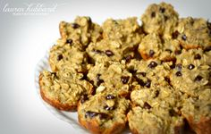 healthy breakfast muffins: banana-oat-chocolate chip