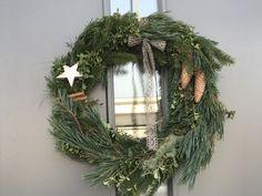 Julkrans, vinterkrans, dörrkrans Christmas Wreaths, Christmas Decorations, Holiday Decor, Advent, Christmas Inspiration, Home Decor, Decoration Home, Room Decor, Home Interior Design