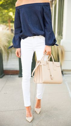 off shoulders top + white skinny jeans.