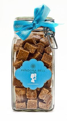 Crumbly Fudge, Rich in Butter and the Taste of Once Upon a Time. Pandora Bell's Fudge is made with real butter.  A dream for discerning foodies and certified Gluten Free.   A Gift Jar of Pandora Bell's Butter Fudge with Irish Cream Liqueur. 800g of blissful indulgence. Gluten free Vegetarian Free from artifical flavours and …