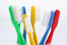 DICAS DA CANDINHA: Como limpar e conservar a escova de dente