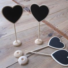 Cute mini heart chalkboards on stand. Great for weddings, table numbers, party…