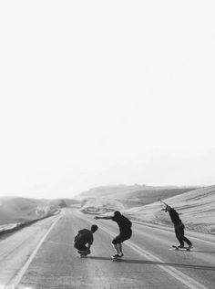 """ironias-de-um-skatista: """" 3 mosqueteiros: eu , Meu skate e Meus amigos """" """""""
