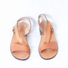 Temukan dan dapatkan SSK 81. Sepatu sandal kulit sapi asli wanita.  hanya Rp 250.000 di Shopee sekarang juga! http://shopee.co.id/aririefah/8055217 #ShopeeID