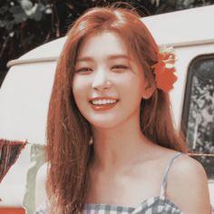 Kang Seulgi of Red Velvet Red Velvet Seulgi, Red Velvet Irene, Sooyoung, Kpop Girl Groups, Kpop Girls, Red Pictures, Kang Seulgi, Kim Yerim, Peek A Boos